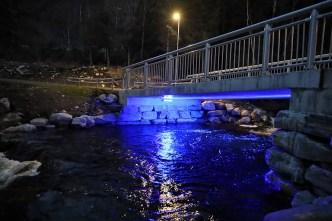 A light BELOW the bridge in Ringstaddalen