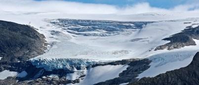 Tjøtabreen glacier arm