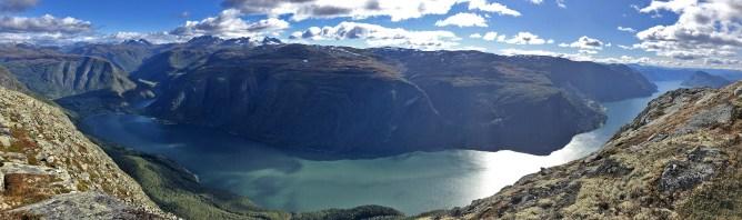 View from Fjøsnenosi