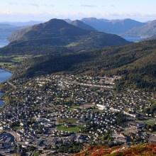 View towards Helgehornet