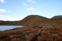 At lake Dinglavatnet, Melshornet ahead