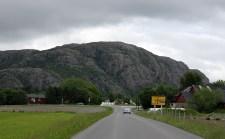 Osplikammen just behind this mountain