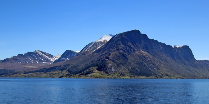 Sandegga (center) seen from the ferry