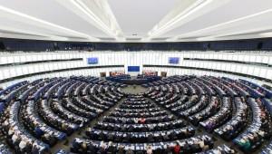 https://pl.wikipedia.org/wiki/Parlament_Europejski#/media/File:European_Parliament_Strasbourg_Hemicycle_-_Diliff.jpg