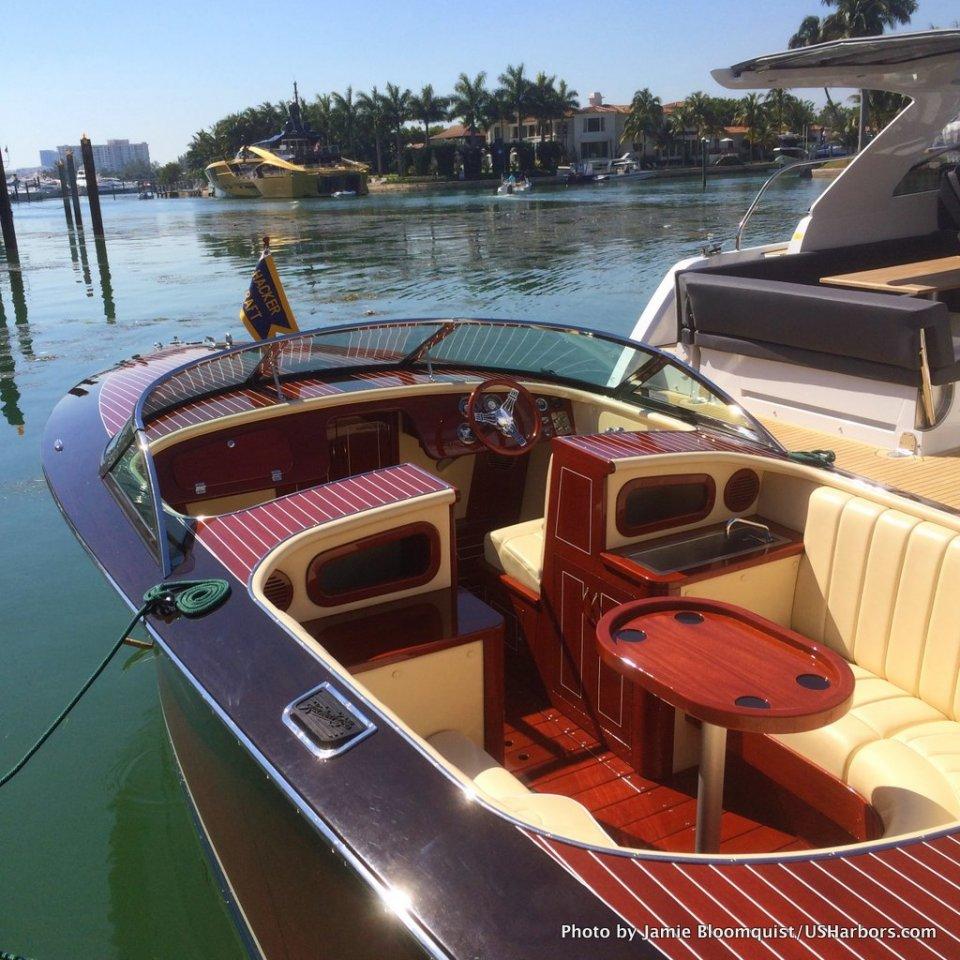 Photo Gallery Miami Boat Show 2015