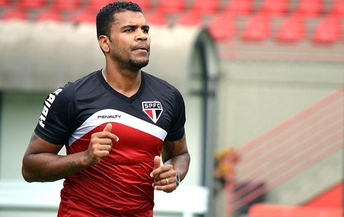 Muricy Ramalho indica zagueiro Breno ao Flamengo