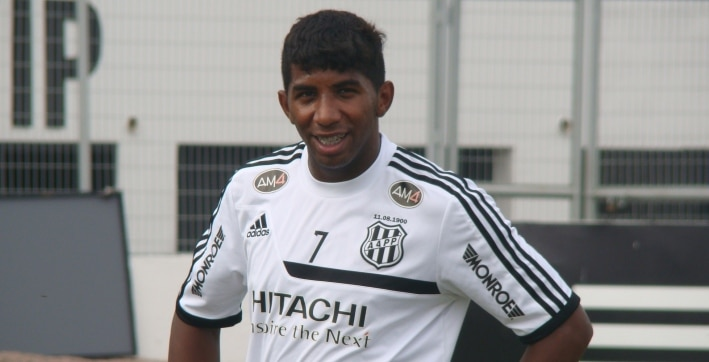 Flamengo assina com lateral Rodinei, ex-Ponte, por quatro anos