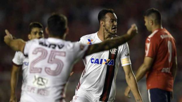 Fla sai na frente, mas cede à pressão e sofre virada do Independiente