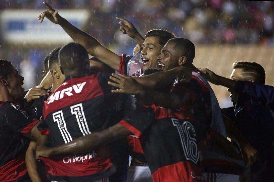 Flamengo goleia Elosport e avança na Copinha