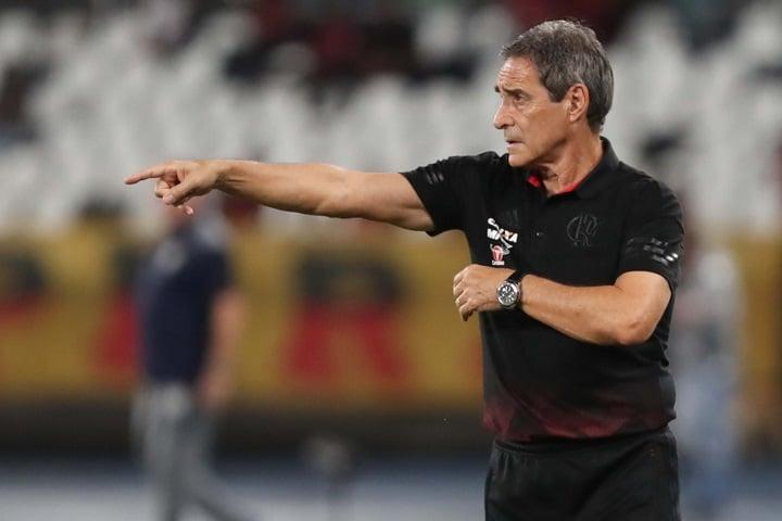 Carpegiani aponta 'erro primário' em eliminação do Flamengo, e critica postura do Flu
