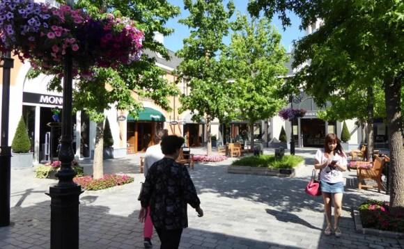 Designer Outlet Roermond Holland - an 363 Tagen im Jahr geöffnet