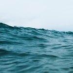 お盆の海は危険