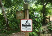 Sendero SOLO para bicis de montaña. Má de uno que conozco estará muriendose del gusto ahora mismo.