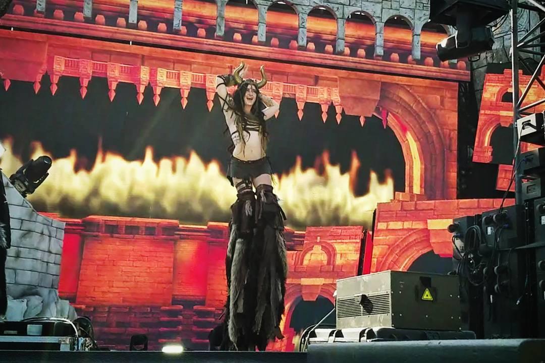 Los Angeles Stilt Walker Samantha Sapphire Flamewater Circus (3)