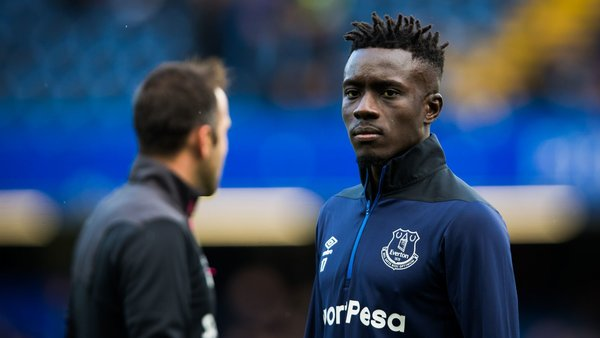 'See you, best of luck', 'bang average player' – some Everton fans express anger with 29-year-old midfielder after talking up exit