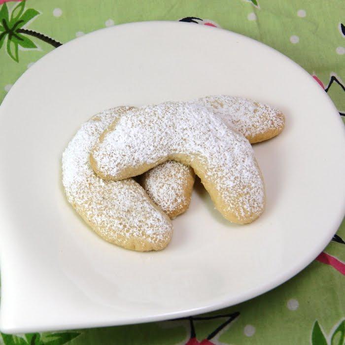 Vanillekipferl Vanilla Crescents Cookies Flamingo Musings