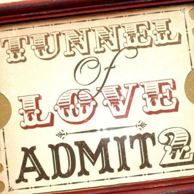 Tunnel of Love – Free Valentine's Day Printable