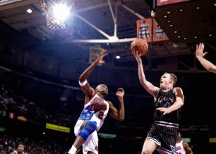 Scott Skiles au panier - Orlando Magic (c) nba.com
