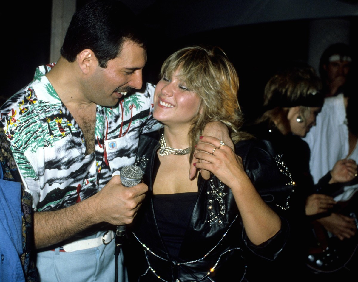 Mandatory Credit: Photo by Alan Davidson/Silverhub/REX/Shutterstock (7544916d) Queen Hold A Private Concert and Party and Were Billed As 'Dicky Heart and the Pacemakers' at the Kensington Roof Gardens Freddie Mercury and Samantha Fox Queen Private Party and Concert - 11 Jul 1986
