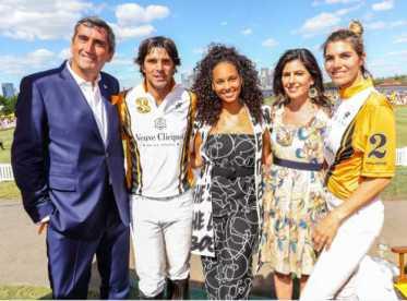 Jean Marc Gallot (presidente mundial Veuve Clicquot), Nacho Figueras, Alicia Keys e Vanessa Kay (presidente Veuve Clicquot EUA) e Delfina Blaquier