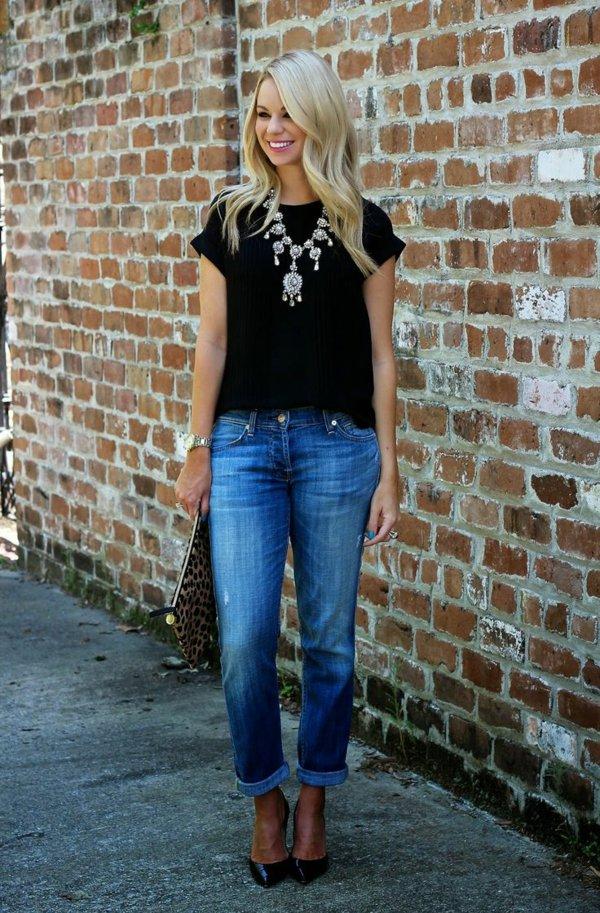 femme-jean-boyfriend-tenue-chemise-noir-blonde