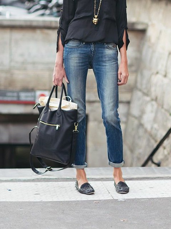 jean-taille-haute-feminine-chaussures-sac-a-main