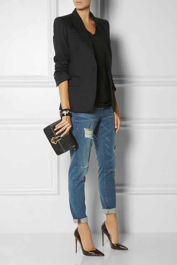 tenue-à-la-mode-chaussures-talon-sac-a-main-veste-elegante