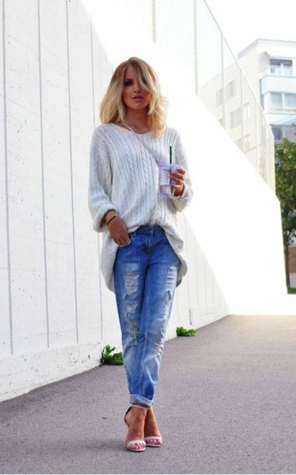 jean-taille-haute-feminine-pull-chaussures-à-talon