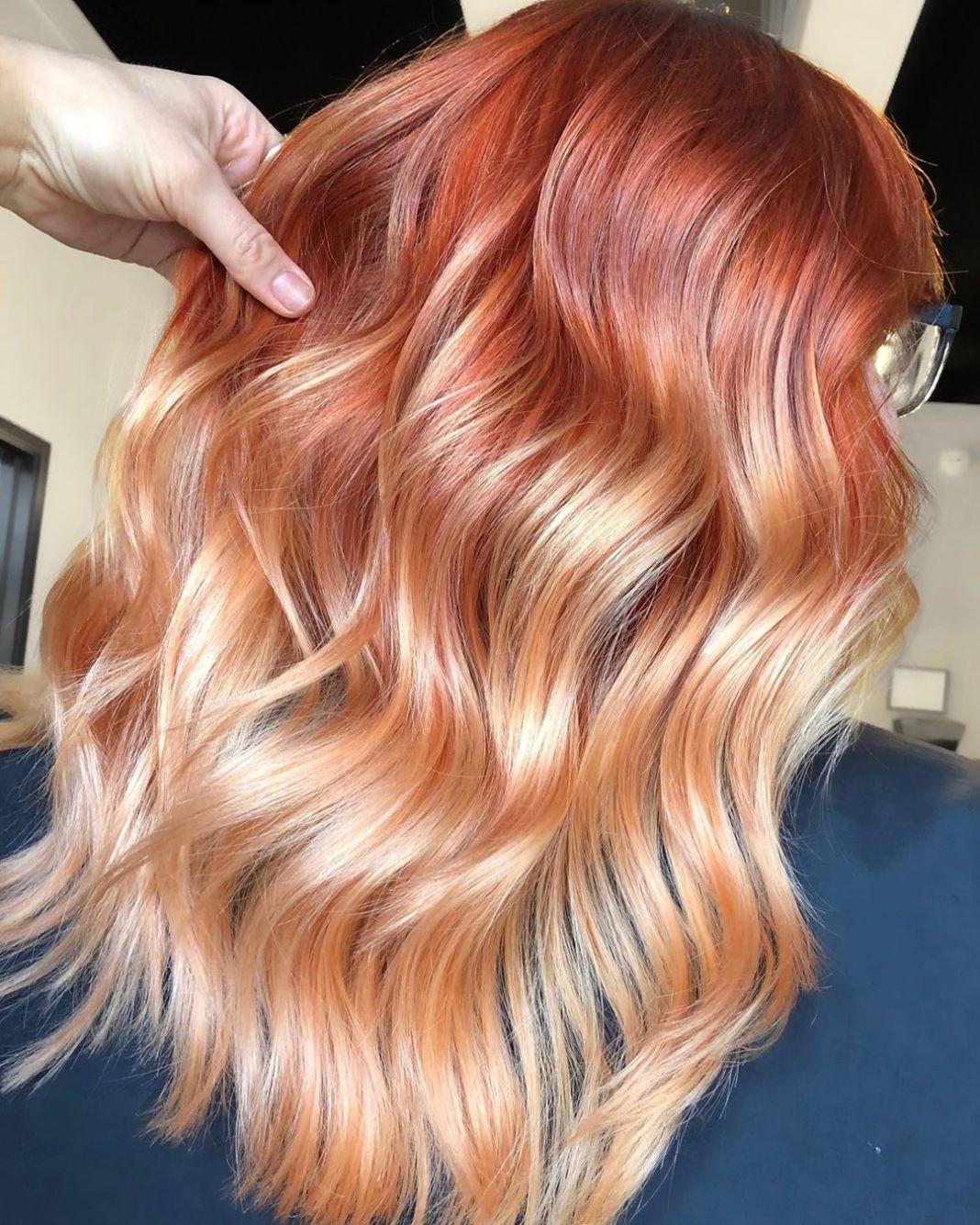 30 couleurs et styles de cheveux blonds à la fraise à la mode pour 2020