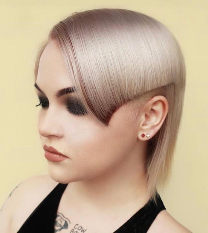 Coupe latérale pour cheveux fins