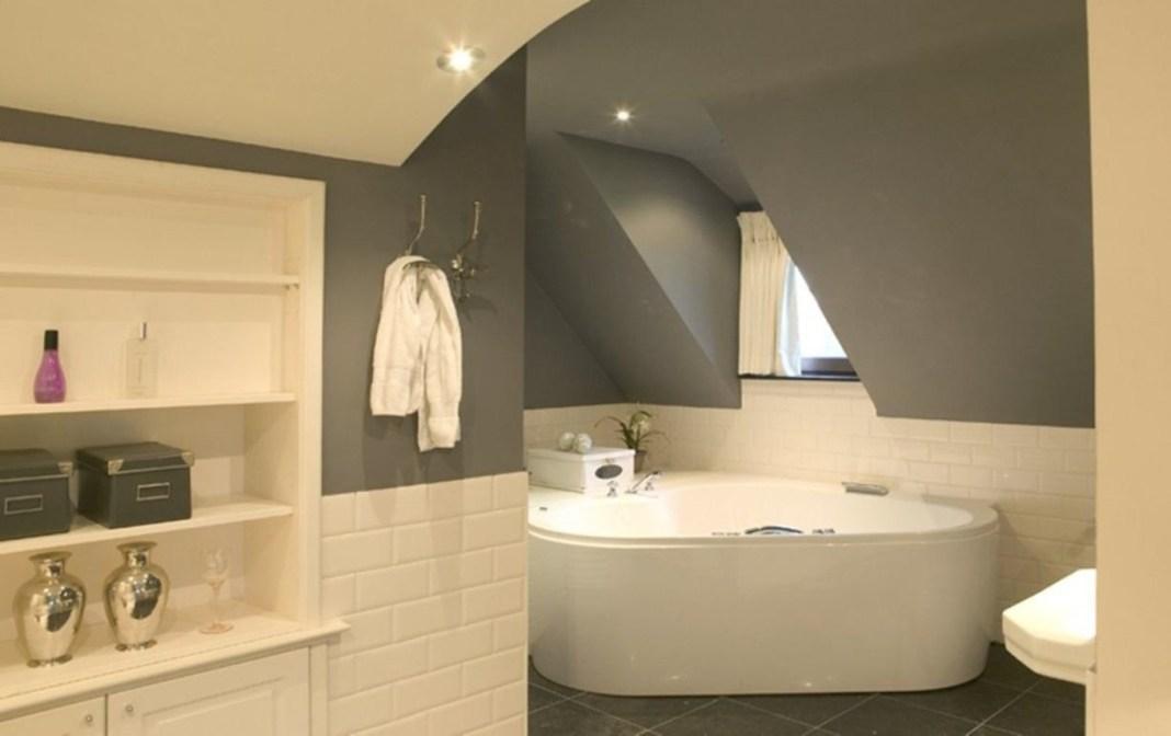 Comment peindre une salle de bain avec 2 couleurs ?