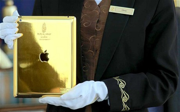 gold ipad offered by burj al arab