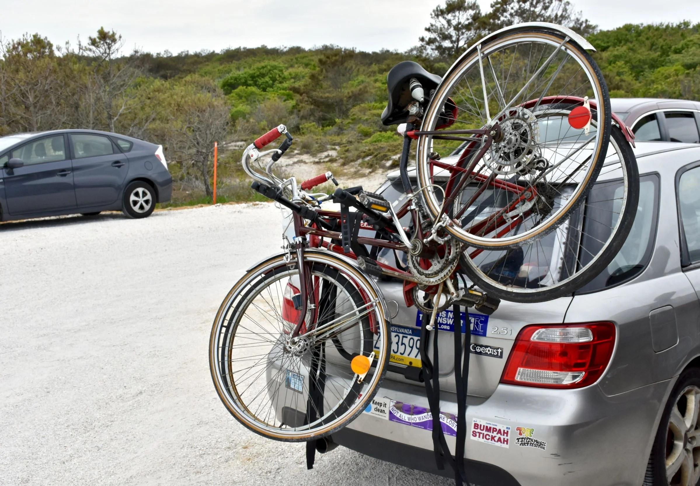 lock trunk bike rack to car