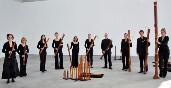 La agrupación The Royal Wind Music con una variada colección de flautas
