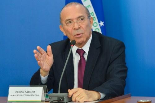 Brasília - O Ministro da casa Civil, Eliseu Padilha fala com a Imprensa, após reunião com o Presidente Interino, Michel Temer (Antonio Cruz/Agência Brasil)
