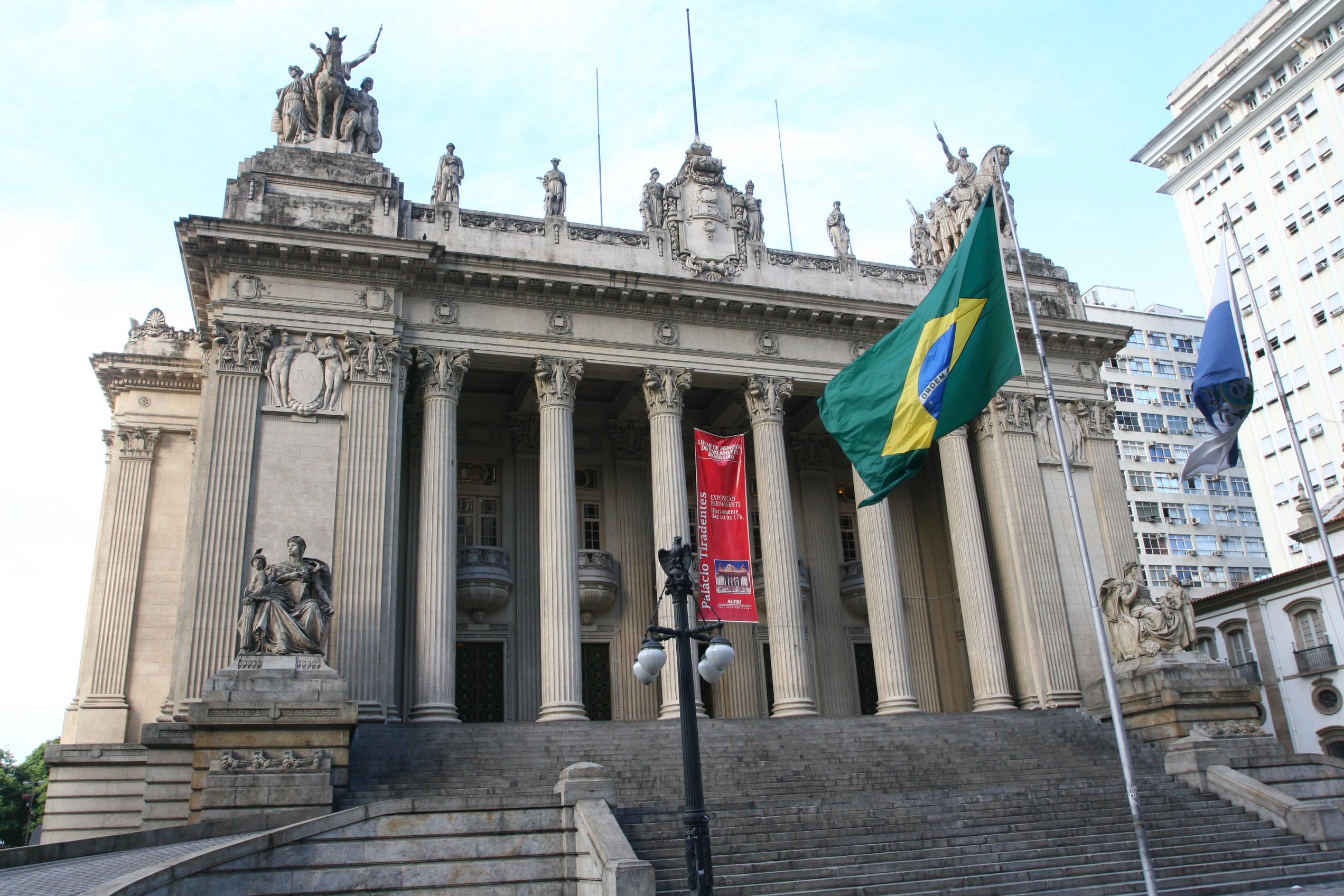 ASSEMBLEIA DO RIO DESCUMPRE O RRF