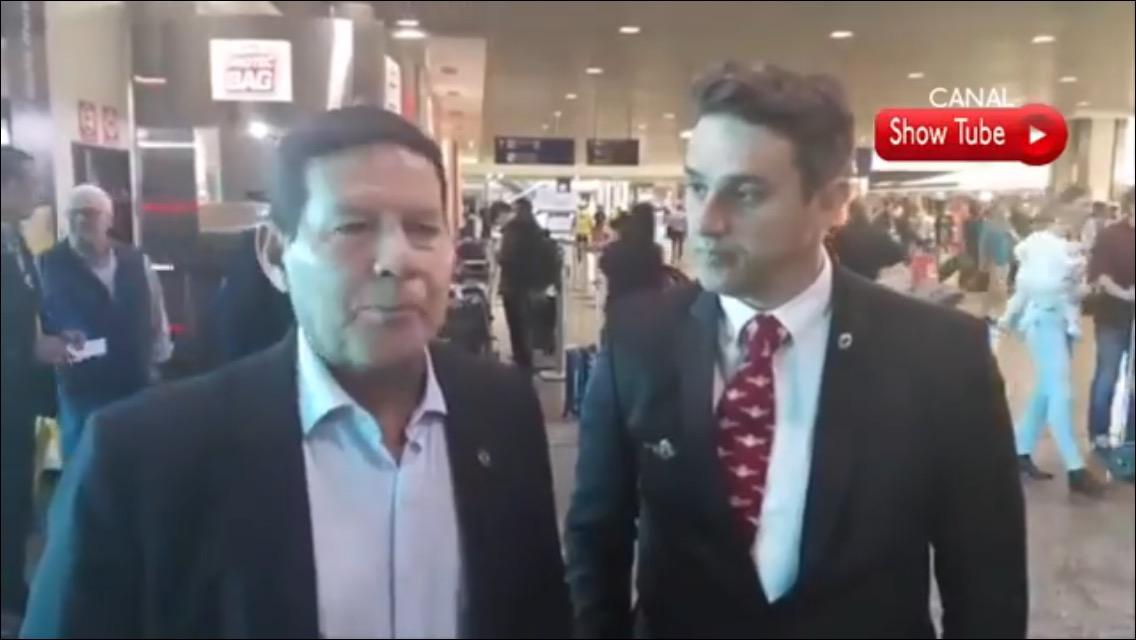 """GENERAL MOURÃO: """"COMANDANTE FERIDO,SUBCOMANDANTE ASSUME. ´É ASSIM QUE SOLDADO SE COMPORTA"""""""