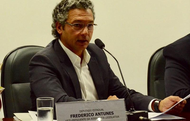 INCANSÁVEL, FREDERICO ANTUNES DEFENDE ABERTURA DAS FREE SHOPS
