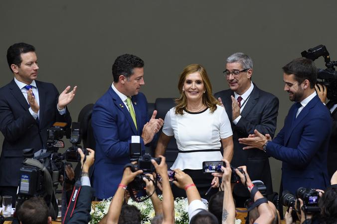 NA POSSE DE MONICA LEAL, GOVERNADOR E PREFEITO PRESENTES
