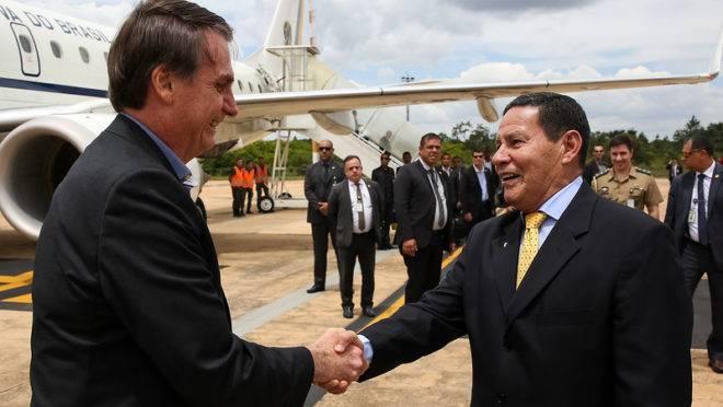 JAIR BOLSONARO ANUNCIA O CONSELHO DA AMAZÔNIA,SOB O COMANDO DO GENERAL MOURÃO.