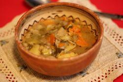 Bramboračka: supa ceheasca de cartofi si ciuperci