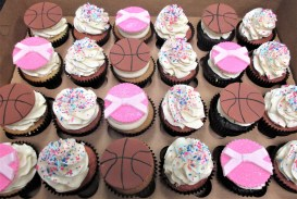 basketball or bows gender reveal cupcakes