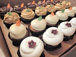 fall flower leaves cupcakes