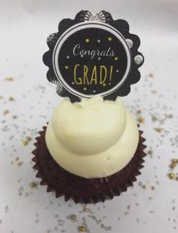 grad cupcake