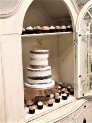naked wedding cake with minis