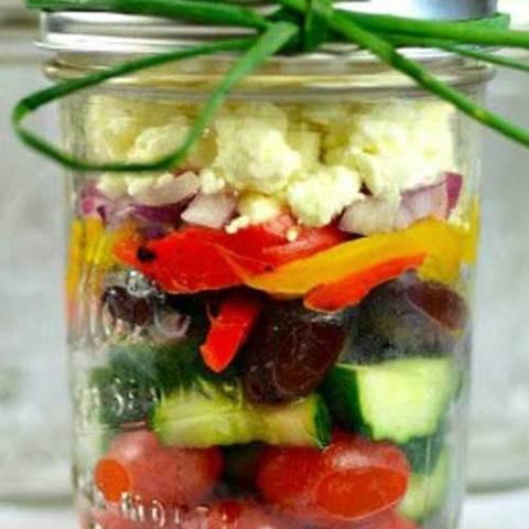 Recipe for Chunky Mediterranean Mason Jar Salad