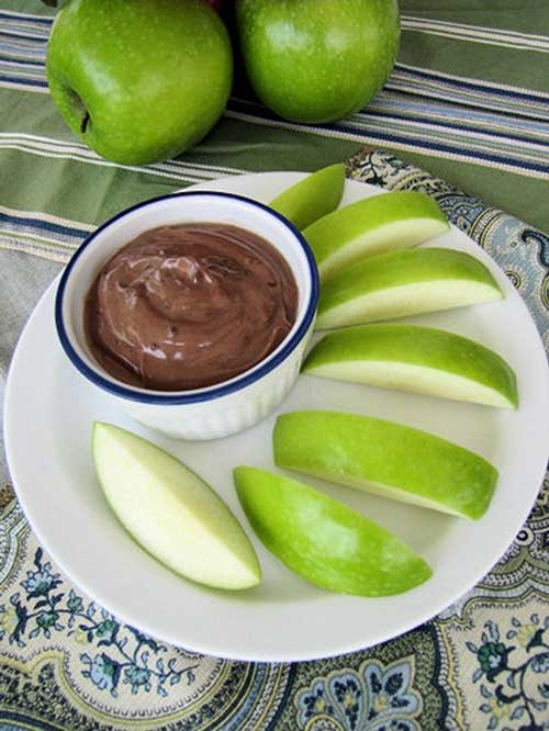 With Greek yogurt being all the rage. We decided to do up something simple and delicious. Make thisNutella Dip even better by serving with some fresh fruit. #Nutella #dip