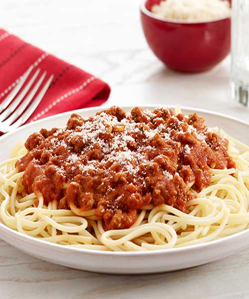 Sometimes you just want a super fast meal, and it has to be yummy too. ThisOld Fashioned Spaghetti recipe is both those things! #pasta #spaghetti #dinnerideas
