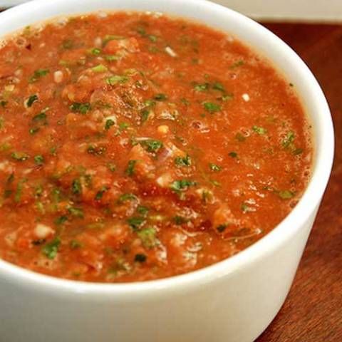 I LOVE salsa, and Chili's happens to have one of my favorites. Not too much heat, and packed with flavor. And now I make myCopycat Chilis Salsa at home all the time.