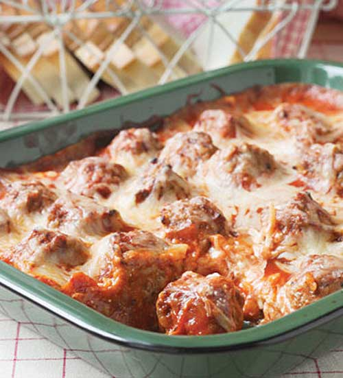 It's so easy to enjoy this classic sub in casserole form! Grab a fork and sink your teeth in to this delectable Meatball Sub Casserole.